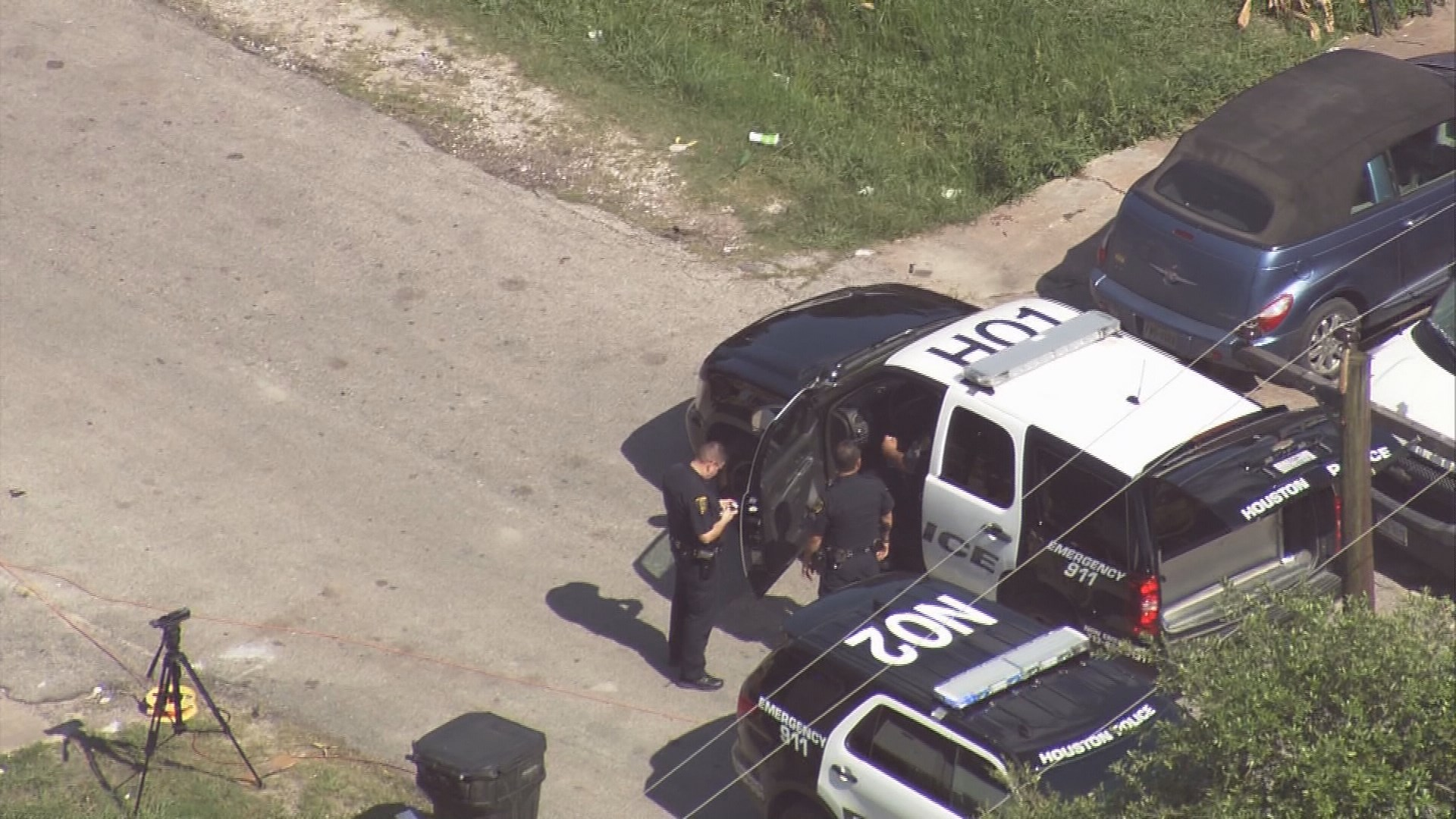 Young boy dies after getting trapped in hot auto in north Houston
