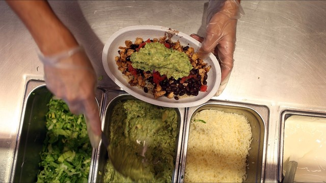 Chipotle cooks up food safety program in move to win back customers | khou.com