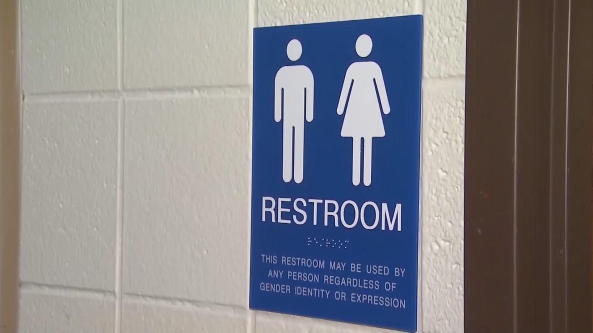 Bathroom bill clears Texas Senate but still faces hurdles