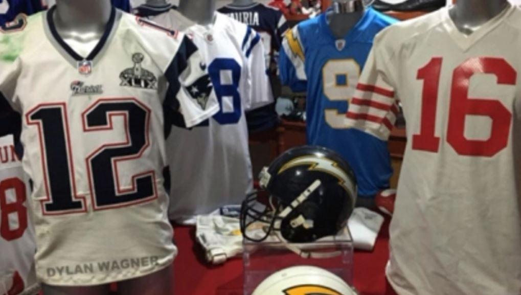Fan's tip led FBI to Tom Brady's stolen jerseys   khou.com