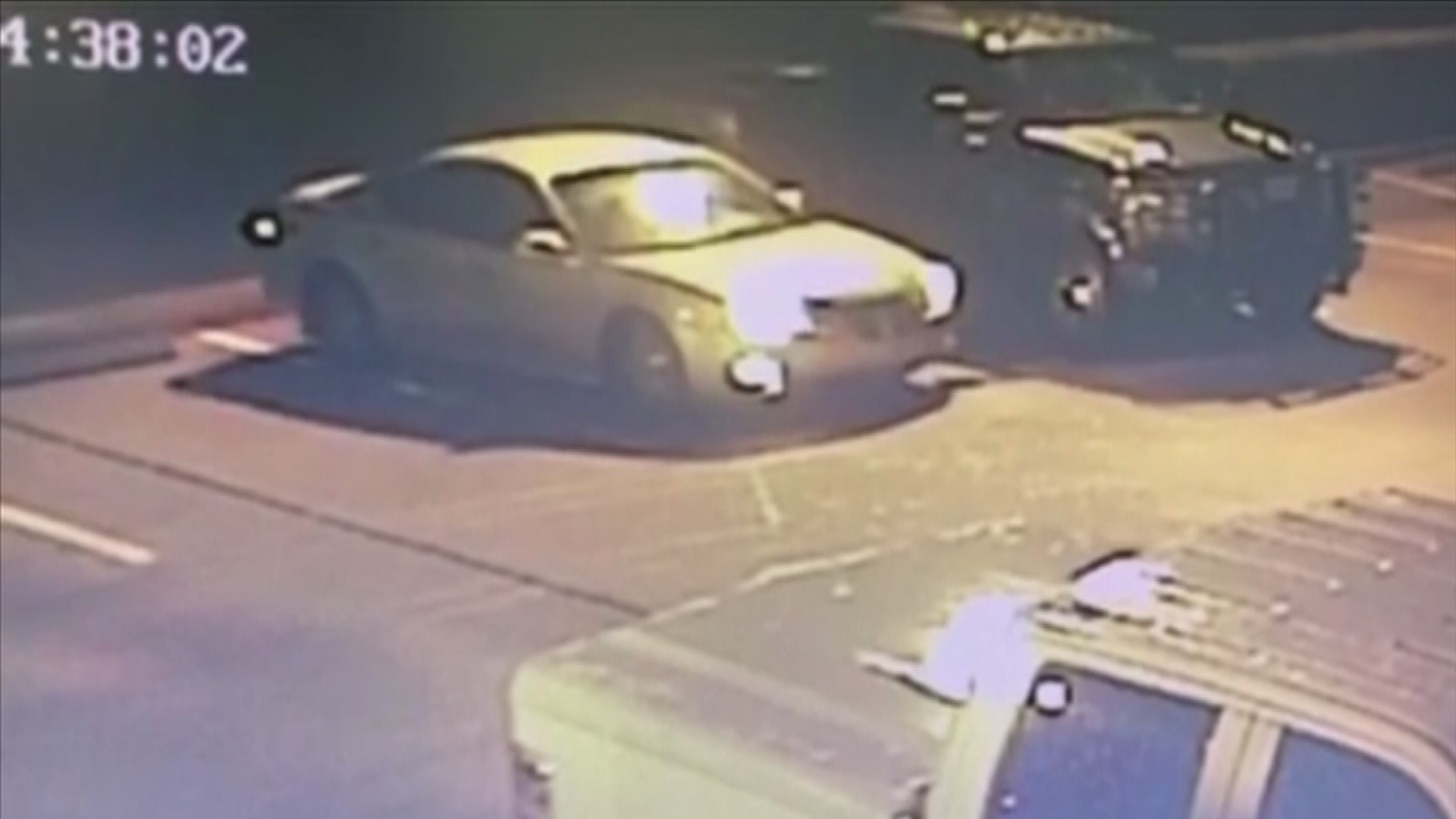 Police search for car burglars targeting hotel parking for La porte tx breaking news