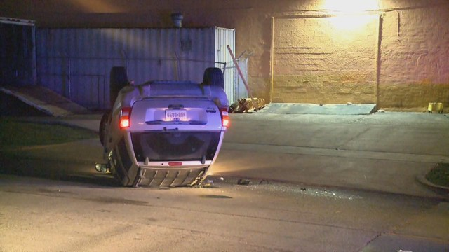 Suspect flips Jeep during chase in SW Houston